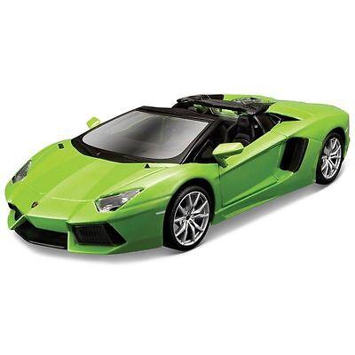 Lamborghini grünmetallic, im Format 1:18 von Bburago