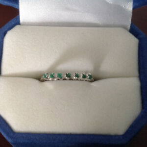 Emerald ring for sale