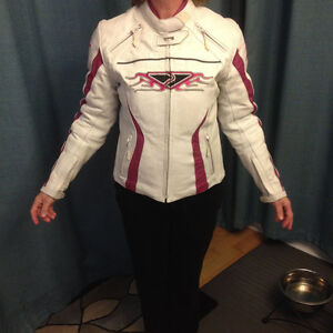 Ladies Size 6 White & Pink Leather Motorcycle Jacket Kitchener / Waterloo Kitchener Area image 1