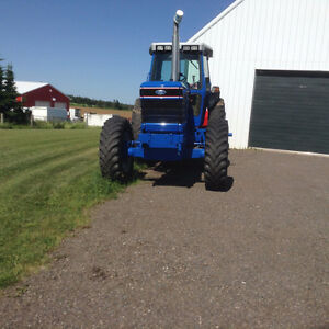 8830 Ford New Holland Tractor