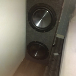 2 10inch clarion subs
