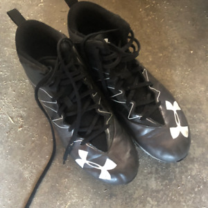Under Armour Size 12 Football Cleats $10