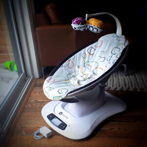 4moms Mamaroo 4 Plush Infant Seat in Excellent Condition