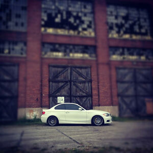 2009 BMW 135i M Package Coupe with Idrive Navigation