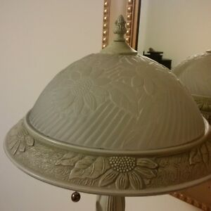 beautiful frosted glass top lamp Kitchener / Waterloo Kitchener Area image 4