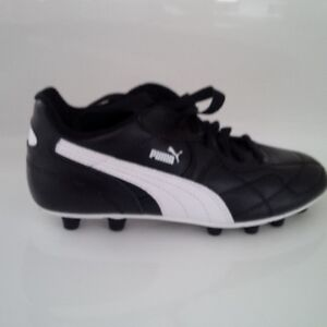 Size 4US Puma Brand New Youth Cleats