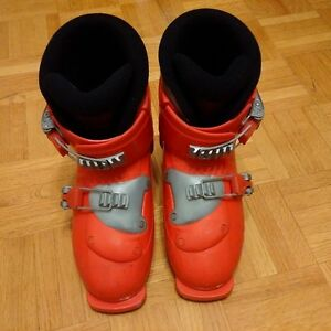 kids ski shoes, see the picture for size