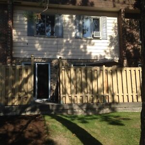 4 1/2 Appartment Townhouse / Maison de Ville heat + garage $985