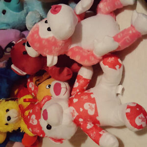 23 dolls and 3CDs from clawmachine