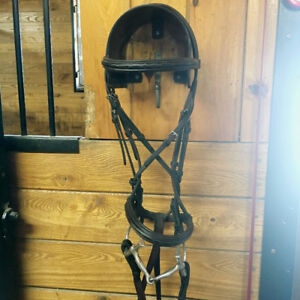 For sale: Hadfield Raised Fancy Stitch Padded Hunter Bridle