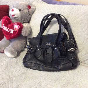 Black shoulder bag in excellent condition