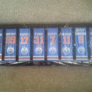 EDMONTON OILERS AUTOGRAPHED REXALL RETIREMENT BANNERS CANVAS
