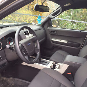 Certified low km 2011 Ford Escape in excellent shape! Kitchener / Waterloo Kitchener Area image 5