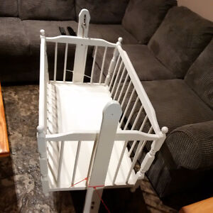 Bassinet Stratford Kitchener Area image 2