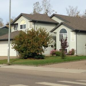 Abasand fort McMurray 2 Bedroom, 2 living rooms basement suite