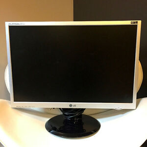 """LG 22"""" Computer Monitor - Works Perfect."""