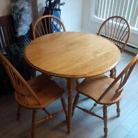 Dining room table, leaf, 4 chairs