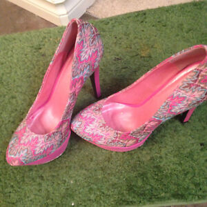 Heels perfect for work or that night out,size 10