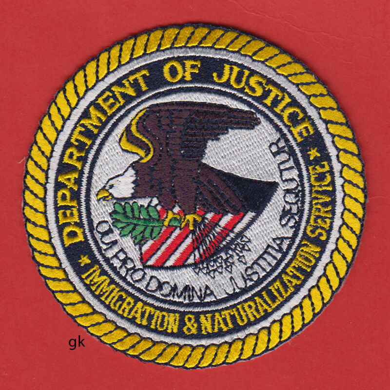 DEPT. OF JUSTICE IMMIGRATION  & NATURALIZAION SERVICE SHOULDER PATCH