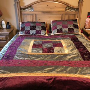 Beautiful Duvet Cover and Shams for Sale - Queen Size
