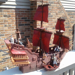 Pirates of the Caribbean pirate ship