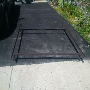 Metal Bed Frame, Double/Twin sizes