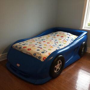 Lit pour enfant voiture Little Tikes