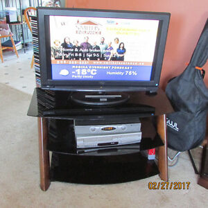 "RCA 32"" FLAT BLACK TV WITH 3 TIER BLACK GLASS TV STAND"