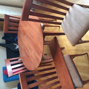 Table de cuisine ronde en bois