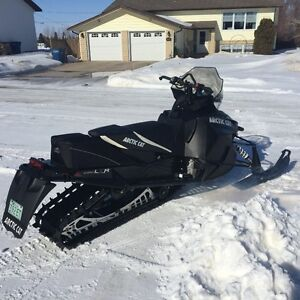 LIKE NEW, 2013 ARCTIC CAT XF 800 LXR