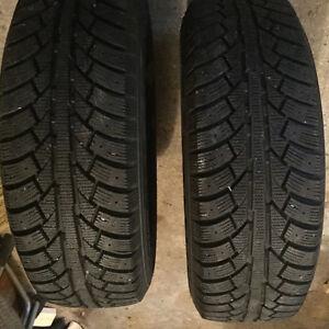 235 70 16 3000 kms 5x114.3 wheel bolt pattern