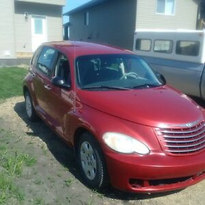 2006 Chrysler PT Cruiser Red Hatchback