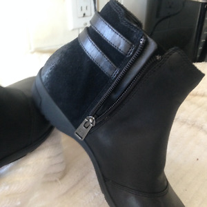 Ladies Rockport Ankle Boots - St. Ann's