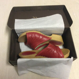 Women's Red leather, wooden sandals