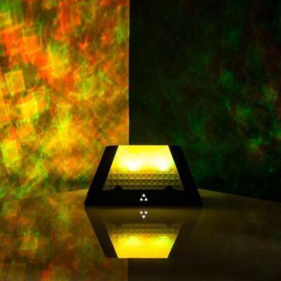 Prisma Proyección Altavoz Portátil Con Sonido Activado Luces LED para Ipod &...