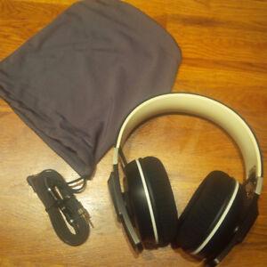 Sennheiser Urbanite XL Over-Ear Headphones with iPhone Remote