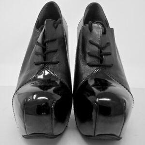 Stuart Weitzman: Women's Black Leather Heels - $200