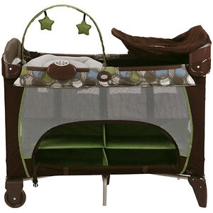 Graco Pack 'N Play Playard with Newborn Napper (Great Condition)