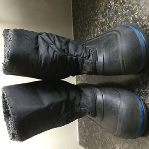 Toddler boys winter boots size 9