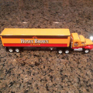 Matchbox: Diecast Brewery Tractor Trailers (1:100 Scale)