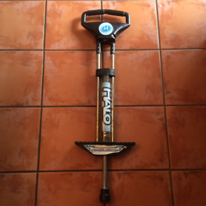 Halo Pogo Stick - négociable