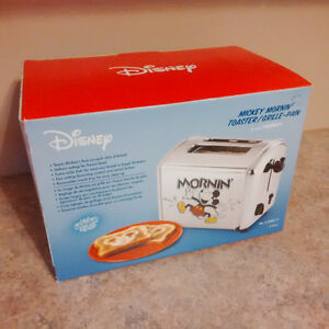 Disney Mickey Mornin Toaster - Like Brand New In Box
