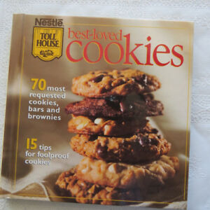 """Nestlé Toll House Best-Loved Cookies""  cookbook"