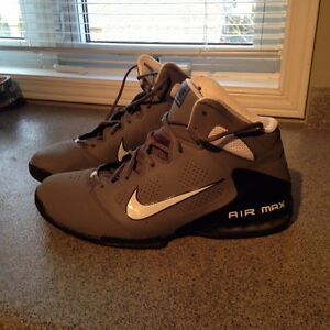 Basketball shoes mens size 13