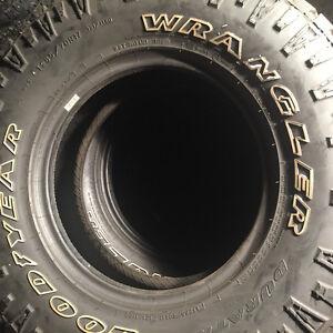 Set tires GOOD YEAR WRANGLER 285/70R17