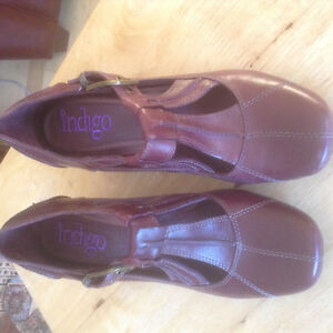 Clarks Indigo leather shoes