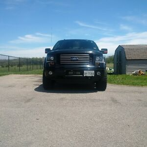 2012 Ford F-150 FX4 Pickup Truck lifted