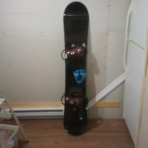 Planche à neige Morrow  159 cm. Botte Legend 10.5