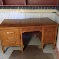 Solid Oak Bankers desk