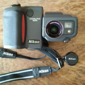 NIKON COOLPIX 995 DIGITAL CAMERA - REDUCED PRICE!!!